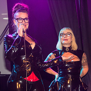 EuroPerve host Louva DeMask and trusty sidekick Irresistible iris at the 2017 event