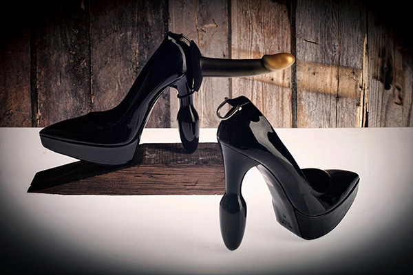 Ainsley-t Dildoshoes with Atelier B attachment