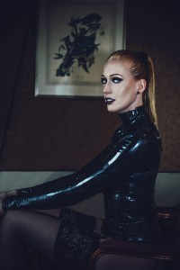 Model and latex: Haas