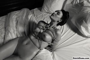 Dutch Dame: Bondage